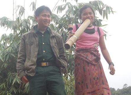 3_7_1318711591_52_1318653842-hut-thuoc-lao2
