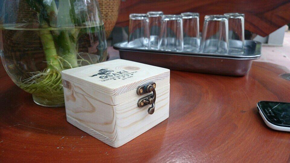 hộp đựng thuốc lào để bàn